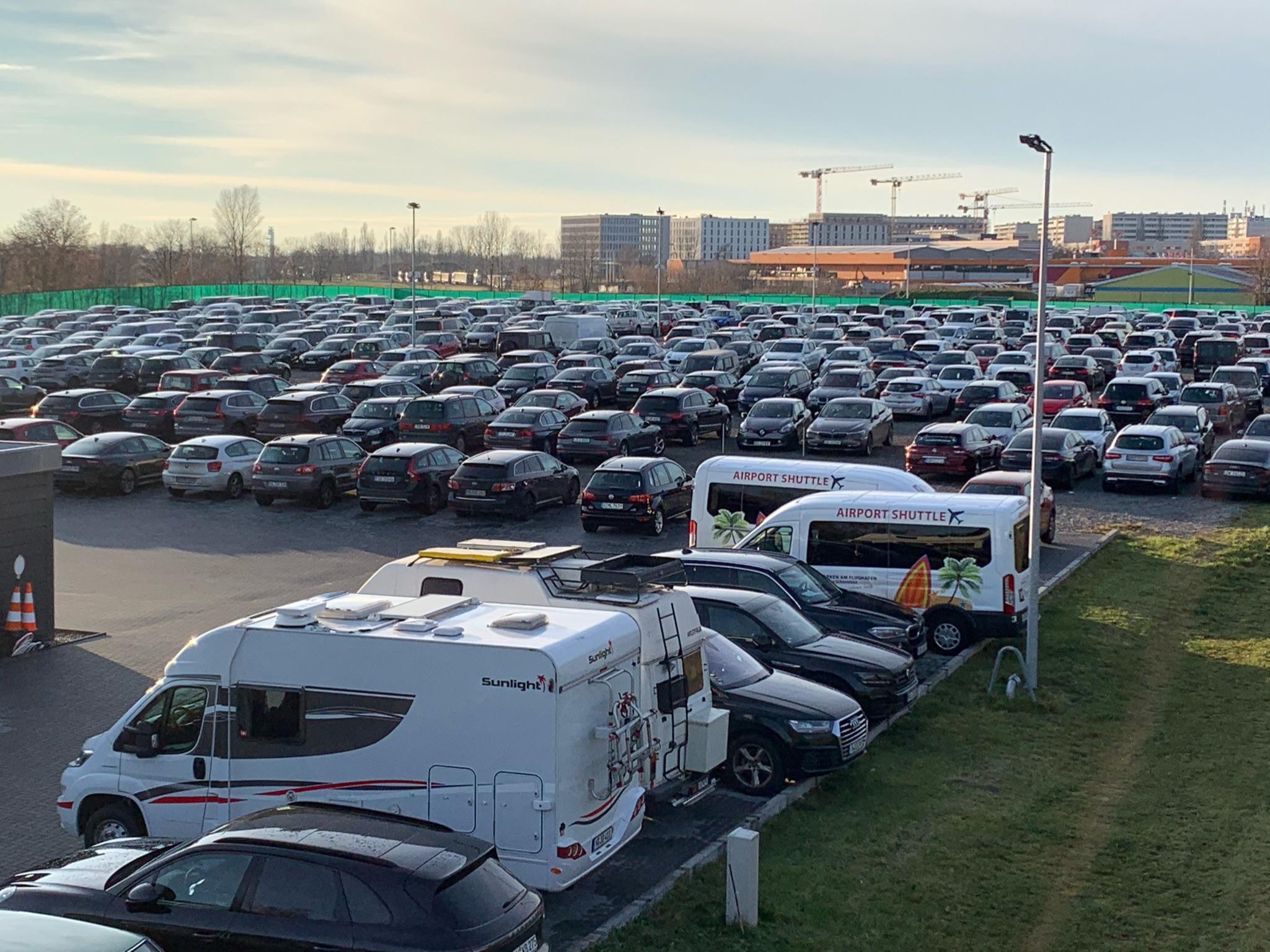 Sicher Parken am Flughafen BER